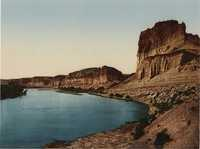 Bluffs of the Green River