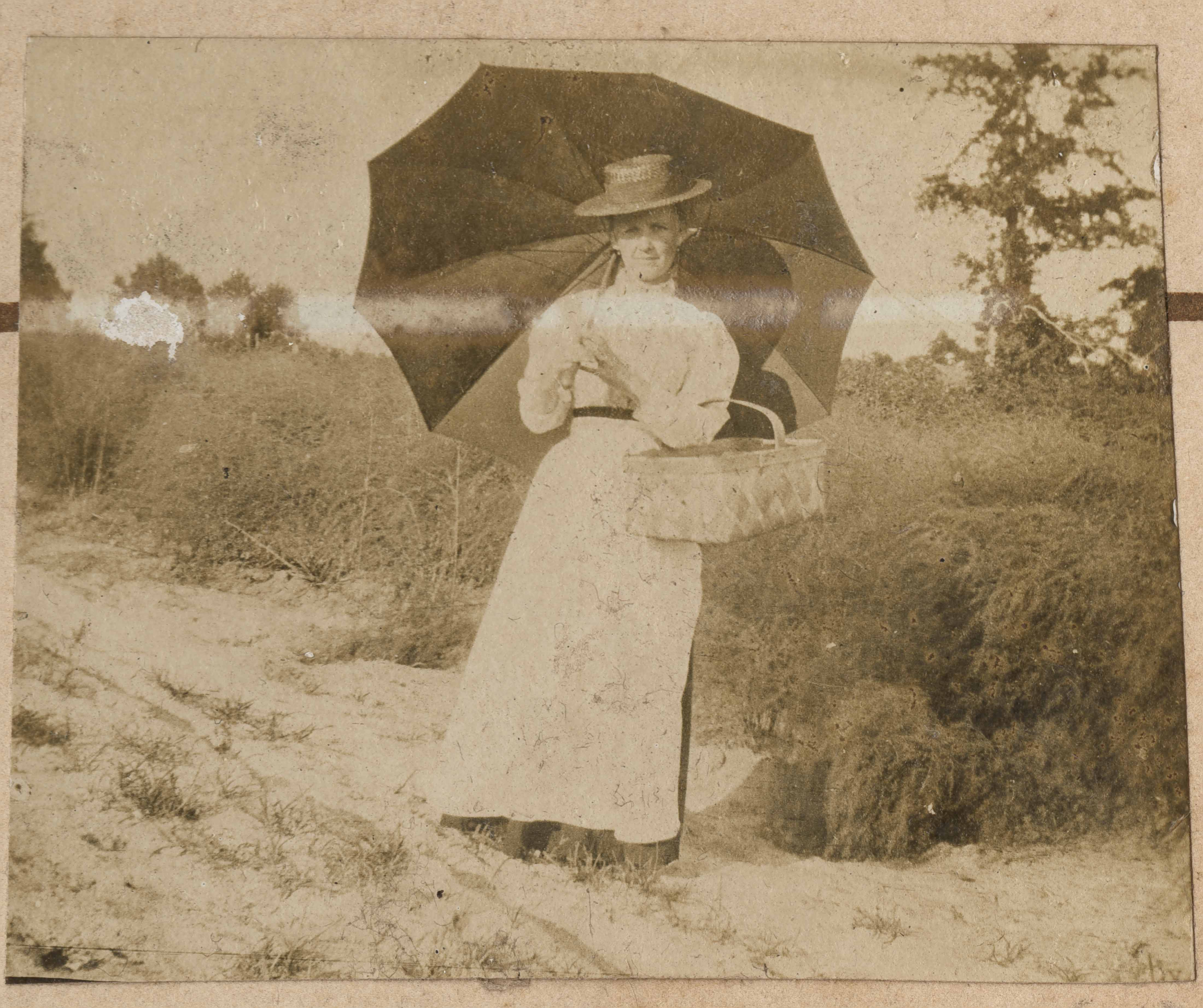 Marie Donner with opened umbrella