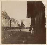 Train coming into Yemassee Station
