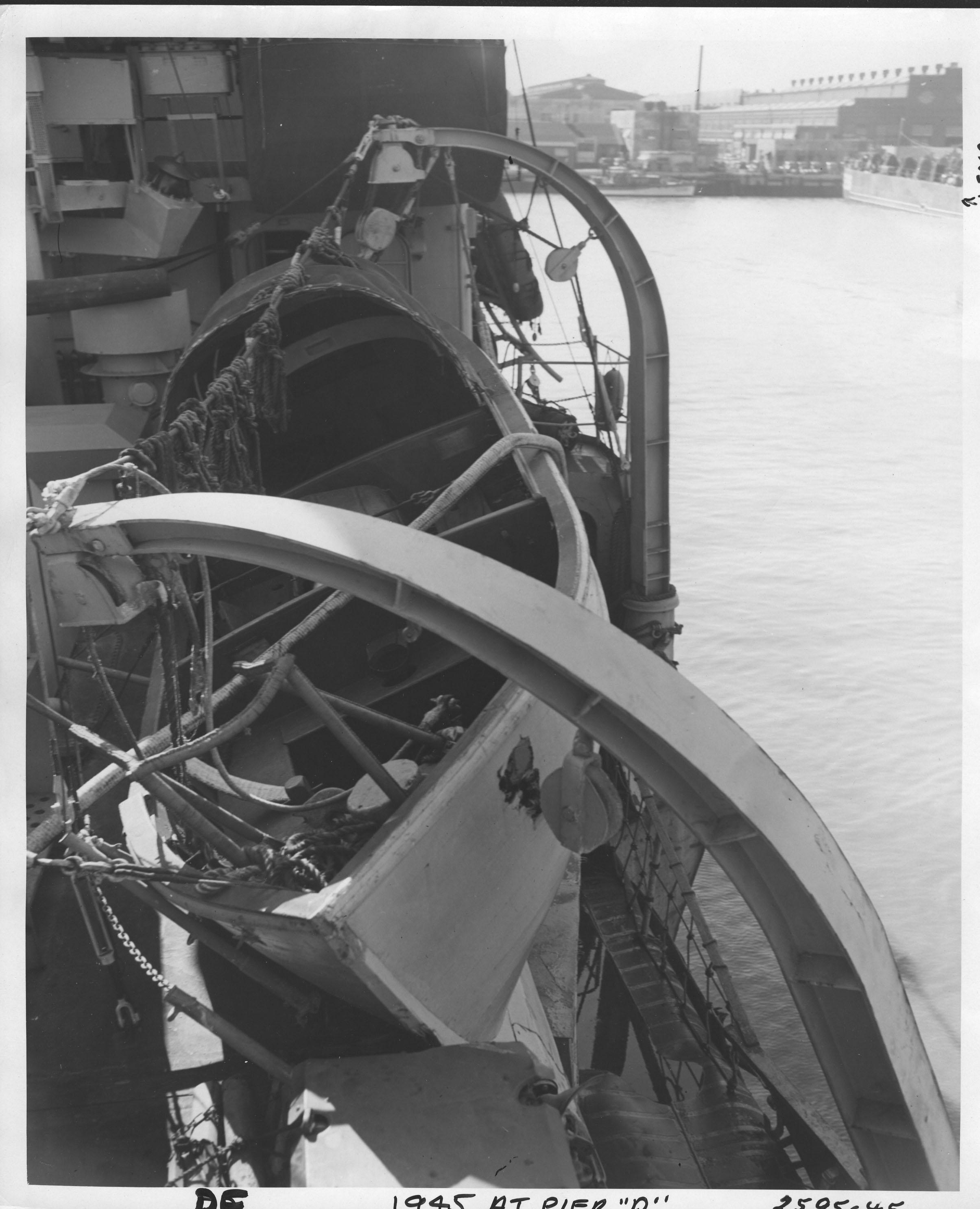 DE, 1945 at Pier