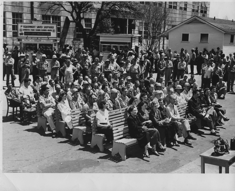 Building Docks Officers 1943