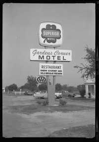 Gardens Corner Motel and Restaurant road sign