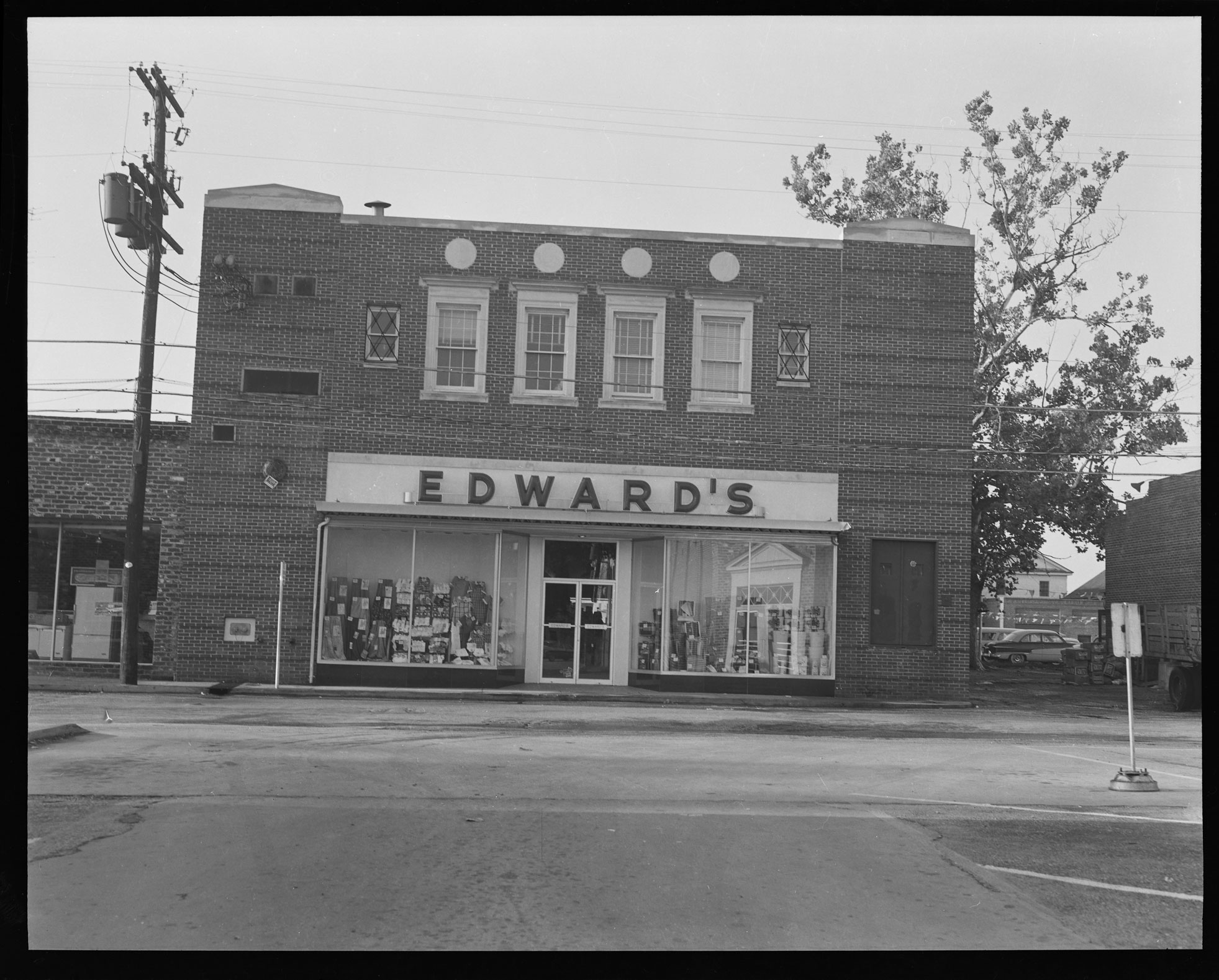Edward's Port Republic street entrance