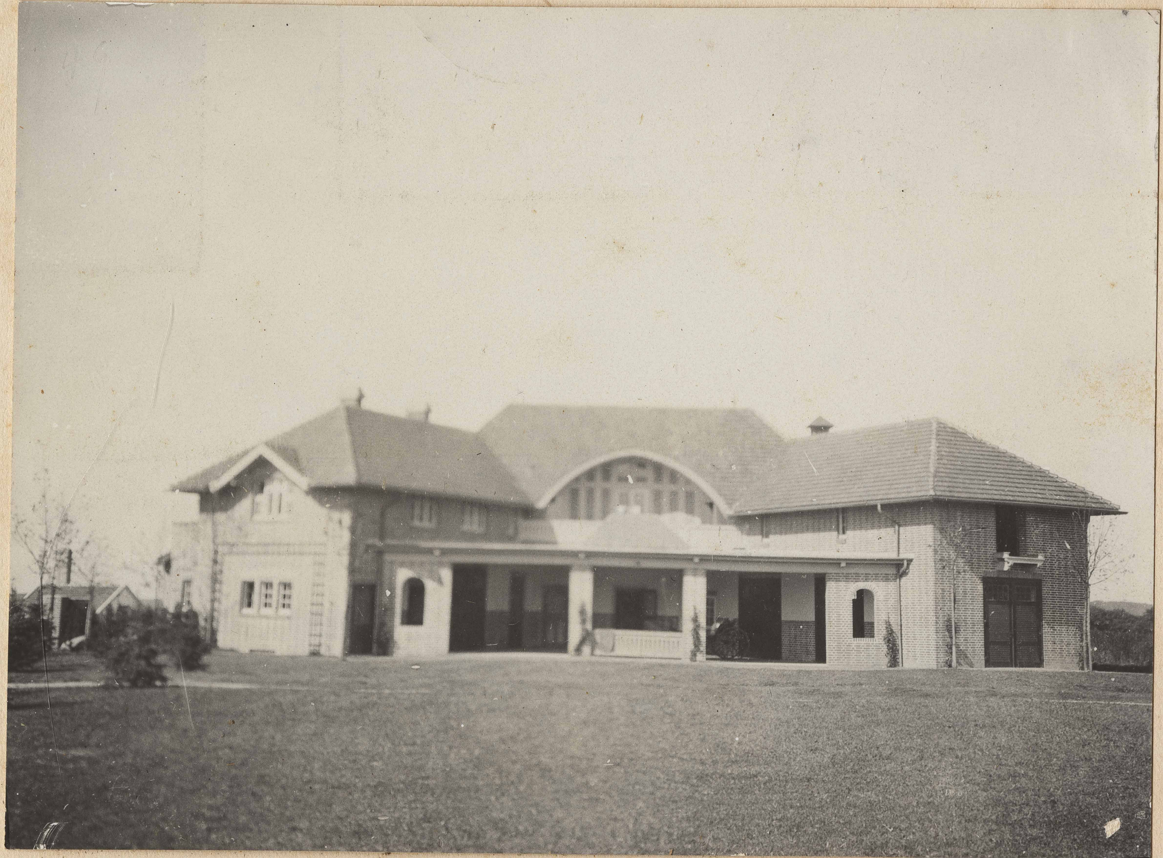 Back of large building on Donner Family Estate