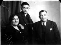 Max, Berta and Willy Adler circa 1936
