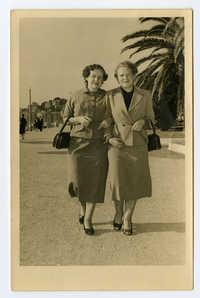 Germaine Ajzensztark and Fela (Feigh) Dembeus, late 1950s