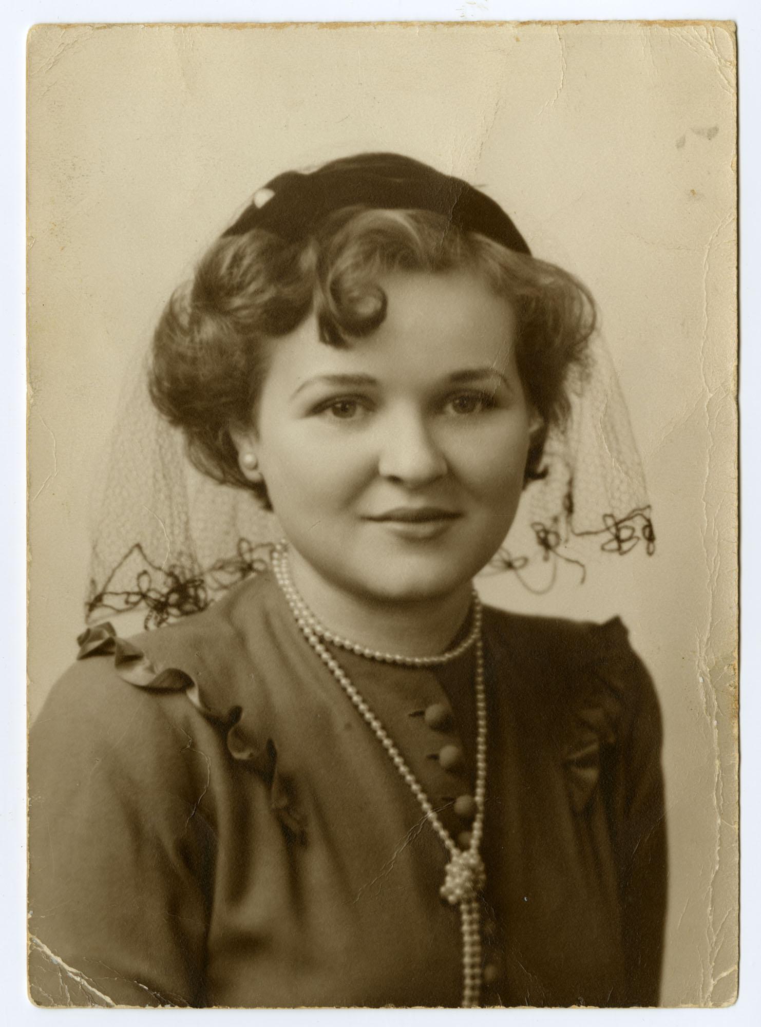 Francine Ajzensztark Taylor, 1950